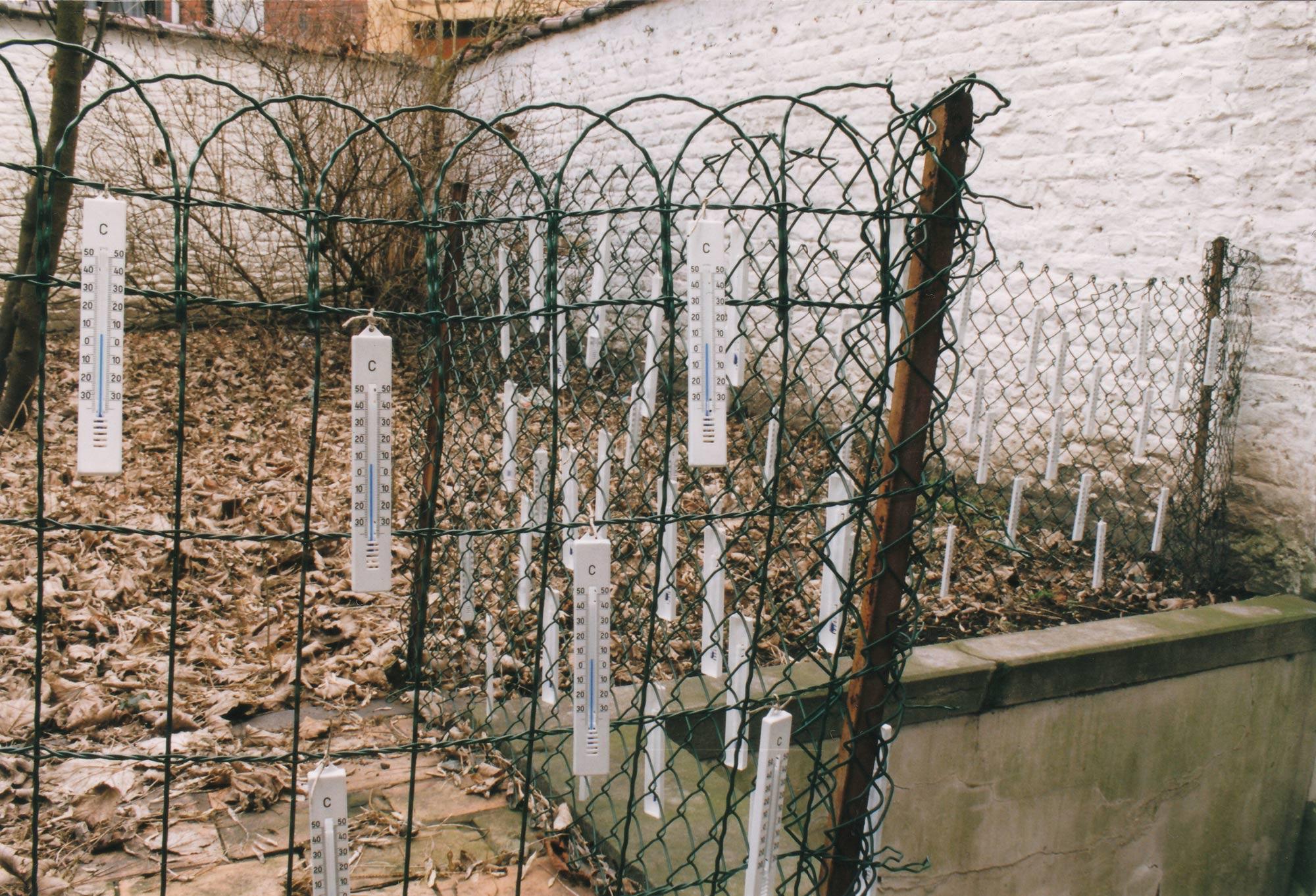 maarten-greve-thermometers-in-my-backyard